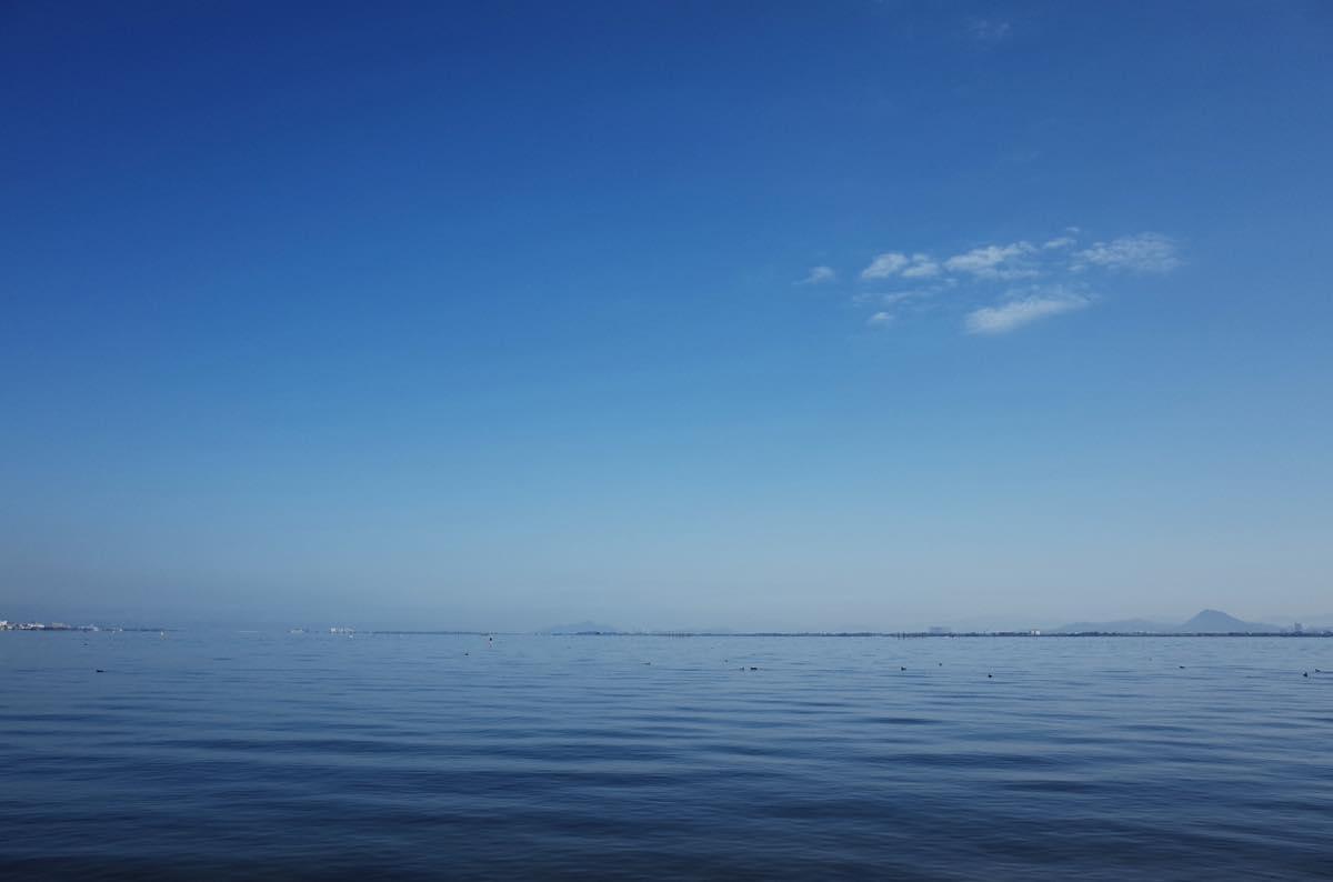 青空と琵琶湖