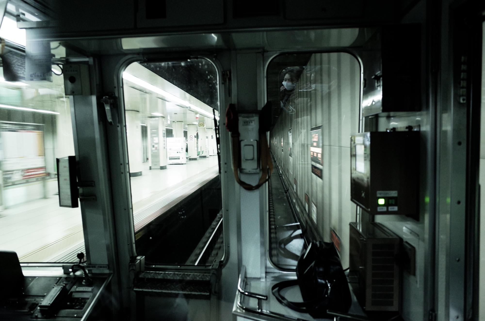 京都地下鉄運転席