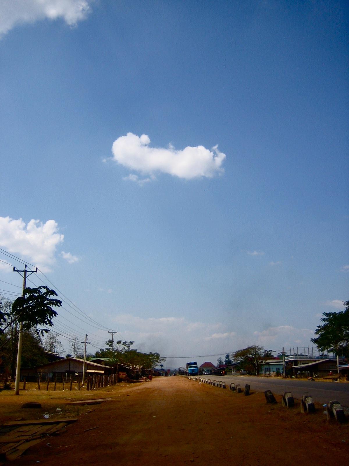 ベトナムからラオスへの道